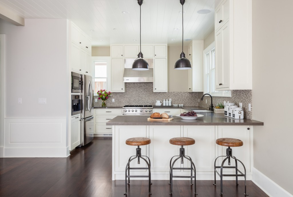 Off-white kitchen with industrial country accents